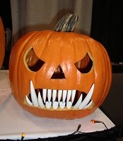 Pumpkin Teeth Medium White